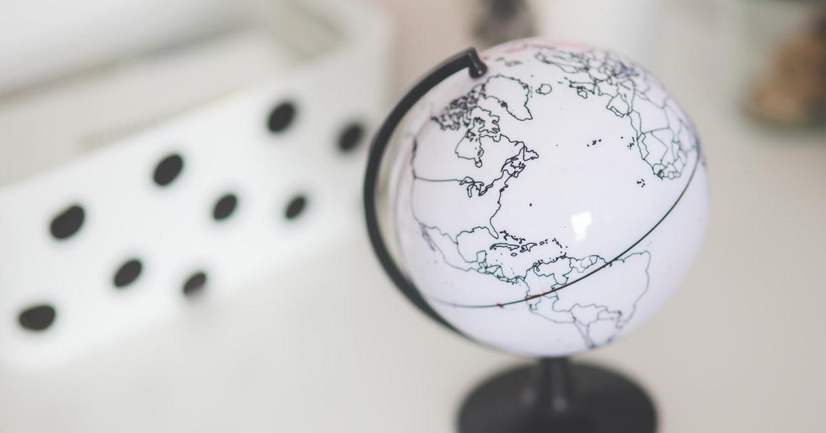 scrivania del docente che devono partecipare al concorso per l'estero