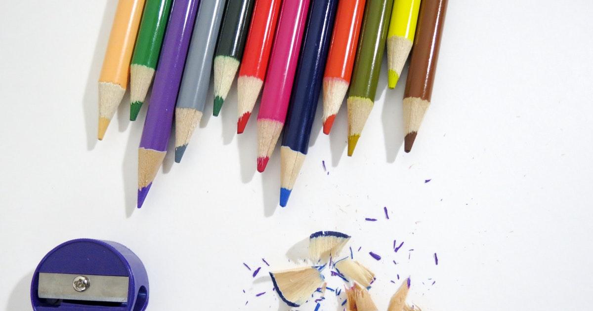 scrivania di docente che inizia il percorso di specializzazione per il sostegno