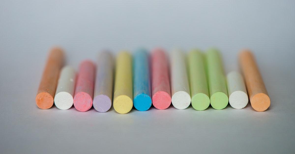 gessetti colorati usati dal personale della scuola
