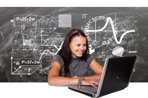 Rientro a scuola ed esami di stato: Azzolina su Rai 2